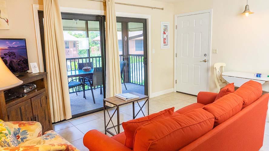 10 - 02 Living Room