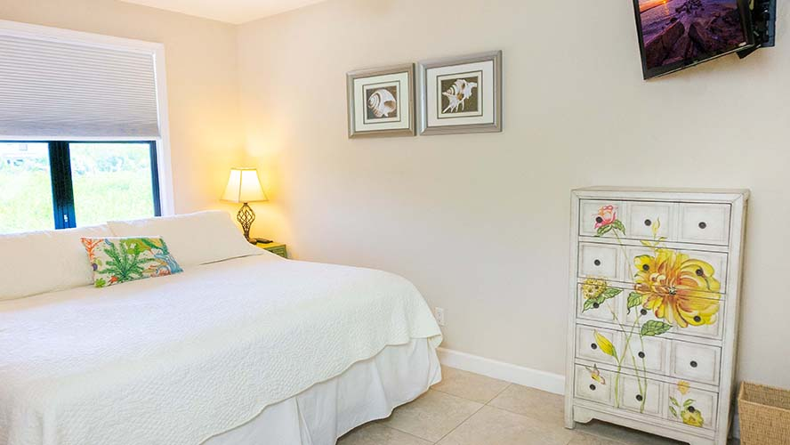 10 - 06 Bedroom