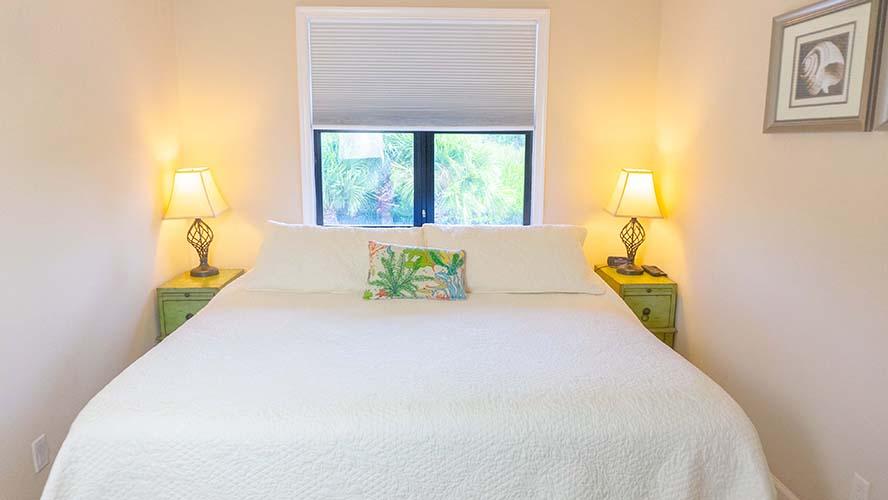 10 - 08 Bedroom