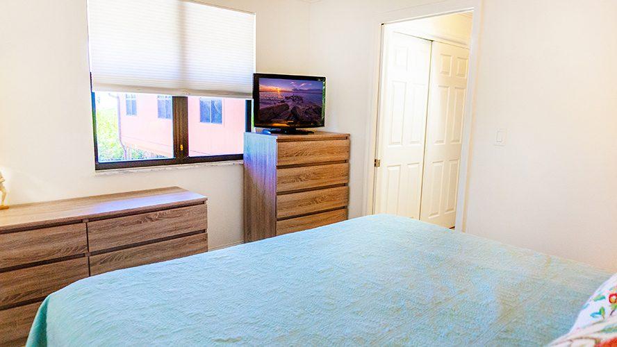 11 - 11 Bedroom