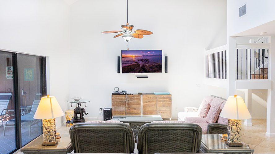 19 - 11 Living Room