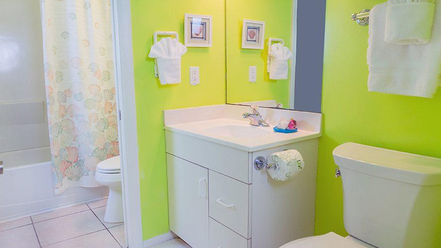 3 - 09 Bathroom