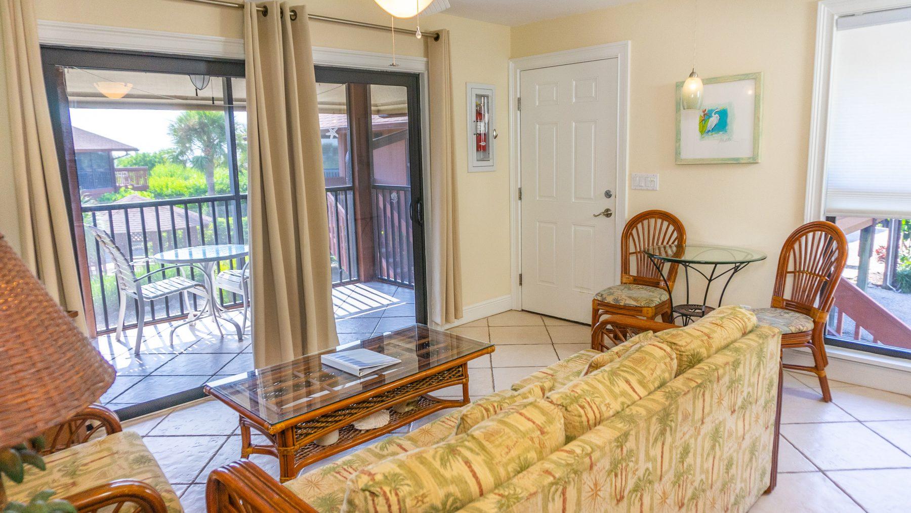 4 - 03 Living Room