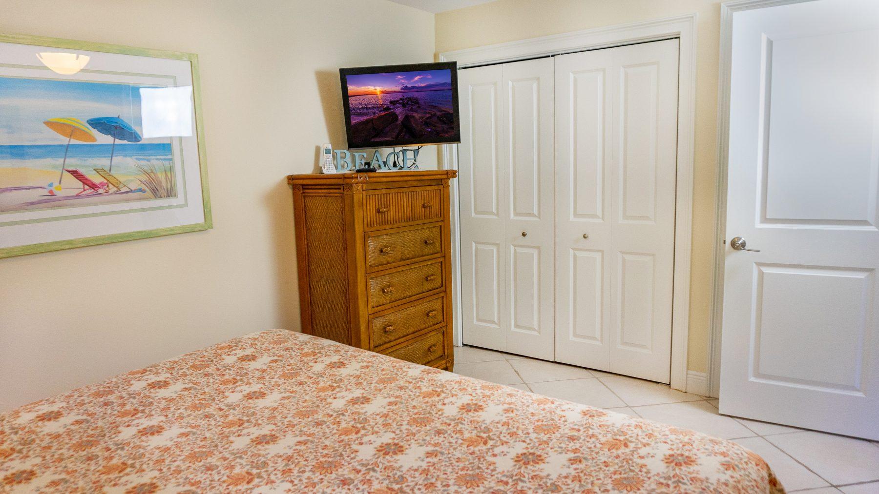 4 - 11 Bedroom