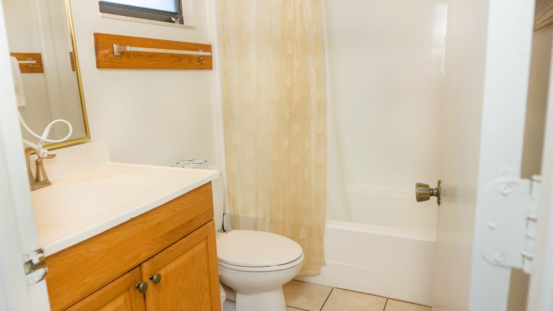 8 - 08 Bathroom