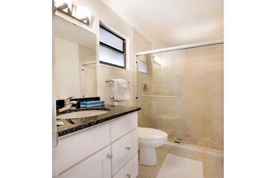 Room 12 - Bathroom