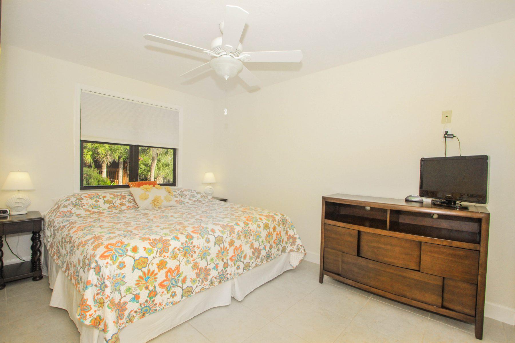 Room 12 - Bedroom