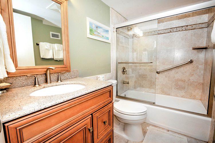 Room 14 - Bathroom 02